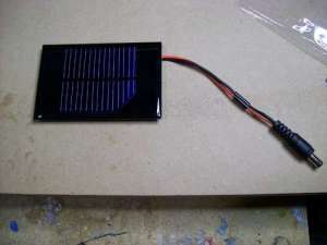 How-to-make-a-solar-iPodiPhone-charger- 8 Connect PV